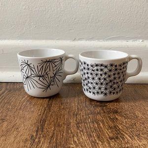 Monochromatic starburst mugs